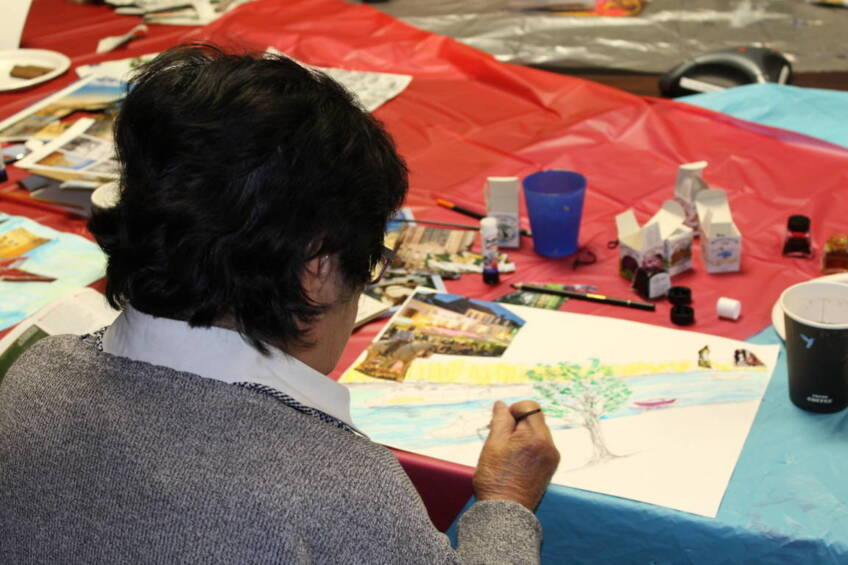 Creative course helps patients socialise and develop their artistic skills