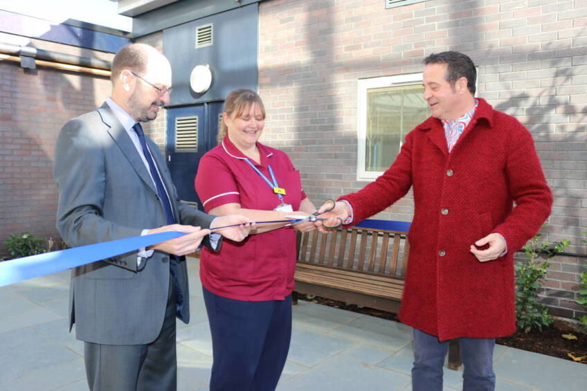 Mark Thomas opens anniversary garden at Charing Cross Hospital