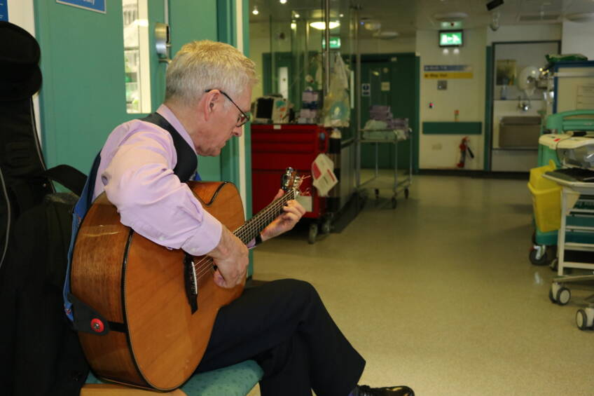 Musician visits help calm critically ill patients